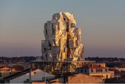 Tour de la Fondation Luma (Frank Gehry)